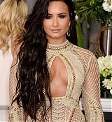 Demi_Lovato_-_The_59th_GRAMMY_Awards_at_STAPLES_Center_in_Los_Angeles-42.jpg