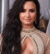 Demi_Lovato_-_The_59th_GRAMMY_Awards_at_STAPLES_Center_in_Los_Angeles-44.jpg