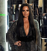 Demi_Lovato_-_The_59th_GRAMMY_Awards_at_STAPLES_Center_in_Los_Angeles_5BBackstage5D-08.jpg