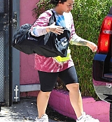 Exiting_the_gym_In_Los_Angeles_-_April_173.jpg
