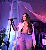 Private_performance_for_Spotify_Superfans_in_Los_Angeles_-_September_15-03.jpg
