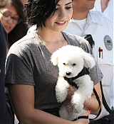 Demi Lovato Visiting Extra at Universal Studios - March 3