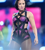 Demi Lovato Performs at 2015 MTV Video Music Awards - August 30