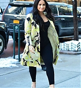 Demi_Lovato_-_At_the_SiriusXm_studios_in_New_York_City_-_March_222C_2018-04.jpg