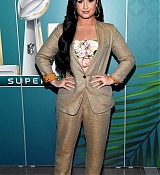 Demi_Lovato_sits_with_Andy_Cohen_on_SiriusXM_s_Radio_Andy_on_January_302C_2020_in_Miami2C_Florida-08.jpg