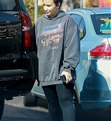 Leaves_a_gym_before_a_trip_to_a_laser_center_in_LA_-_February_281.jpg