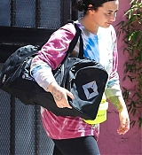 Exiting_the_gym_In_Los_Angeles_-_April_171.jpg